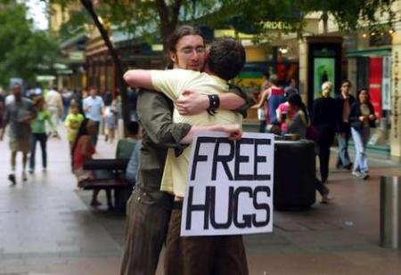 free-hugs-3